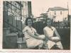 Escada do atelier - Minha avó Alice e tia Nena - 1934
